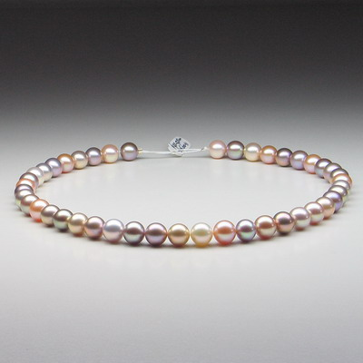 File:Freshwater pearls various colors.jpg